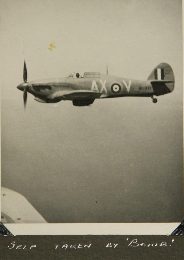 Hawker Hurricane IIb SAAF 1Sqn AXV BG971 1942 02