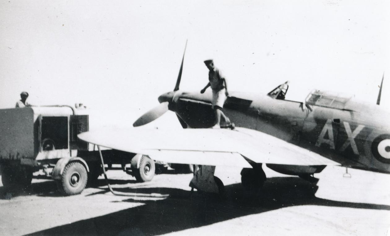 Hawker Hurricane IIb SAAF 1Sqn AXx North Africa 1942 02