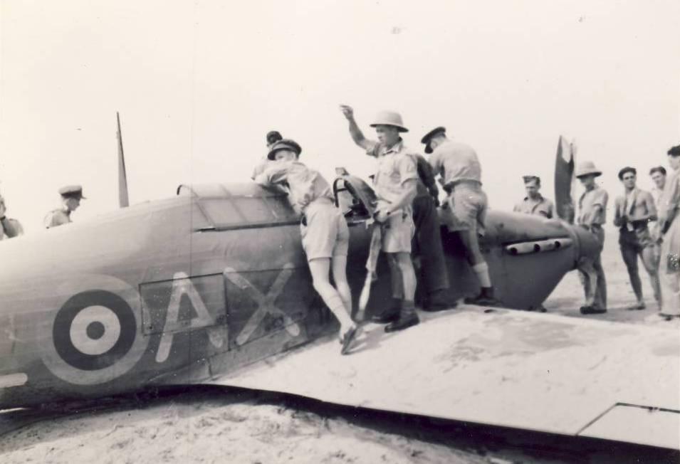 Hurricane IIb SAAF 1Sqn AXL Fred Schofield Z2314 El Gamil 18th May 1942 02