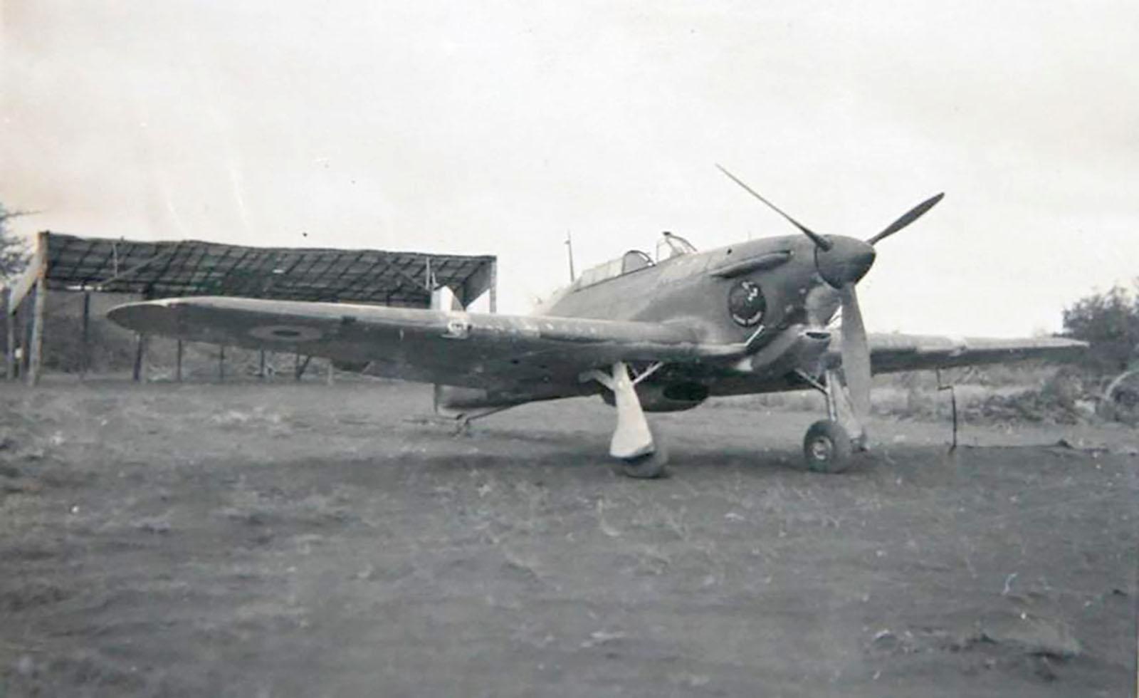 Hurricane I Trop SAAF 3Sqn J Bob Kershaw 284 Dagahbur Ethiopia East Africa March 1941 01