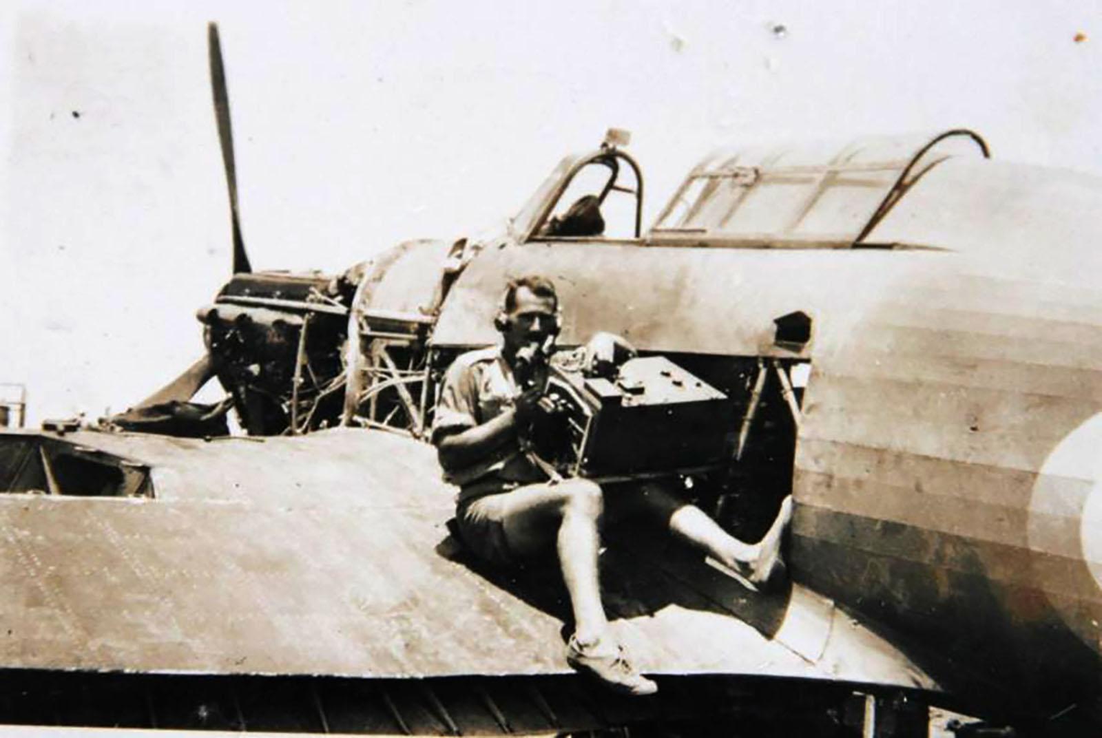 Hurricane I Trop SAAF 3Sqn U Bob Kershaw Dagahbur Ethiopia East Africa March 1941 04