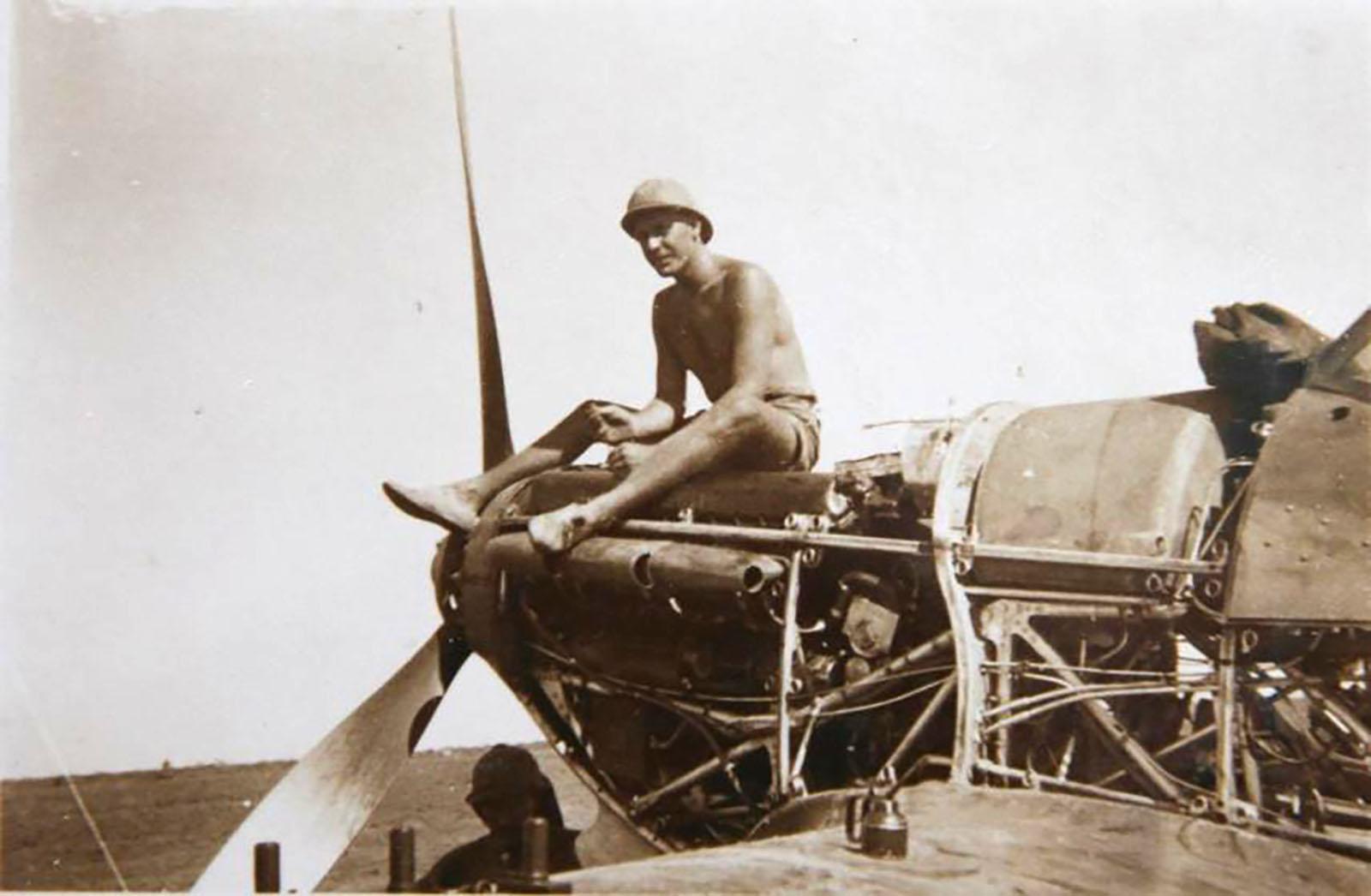 Hurricane I Trop SAAF 3Sqn U Bob Kershaw Dagahbur Ethiopia East Africa March 1941 06
