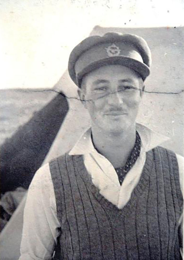 Aircrew SAAF 40Sqn pilot Ian Sturgeon in North Africa 1942 01