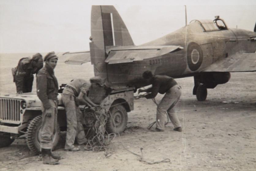Hawker Hurricane IIb SAAF 40Sqn Z33557 North Africa 1942 43 01