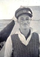 Asisbiz Aircrew SAAF 40Sqn pilot Ian Sturgeon in North Africa 1942 01
