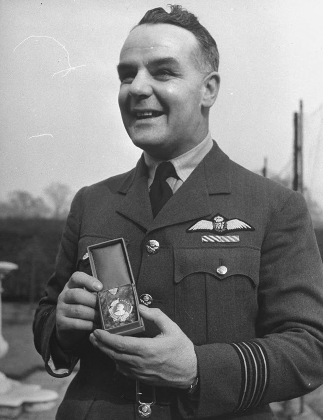 Aircrew RNZAF WCdr later GCpt HNG Ramsbottom Isherwood (NZ) AFC DFC Order of Lenin March 1942 01
