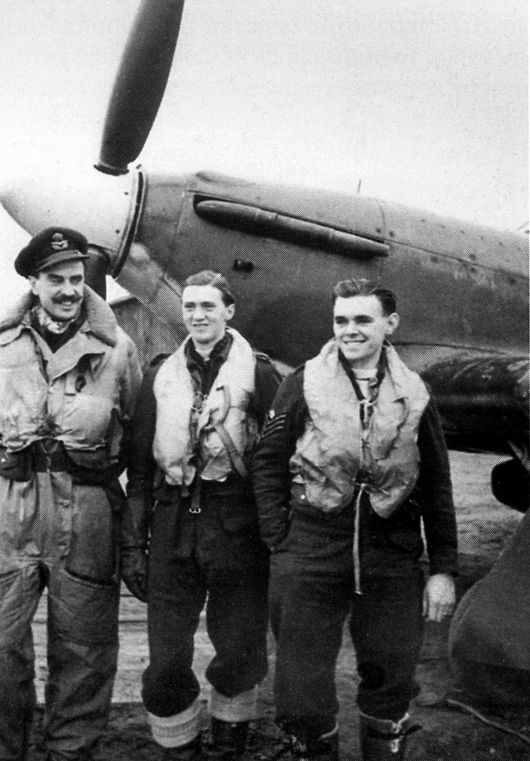 Aircrew from RAF 151 Wing Murmansk Vaenga USSR 1941 01