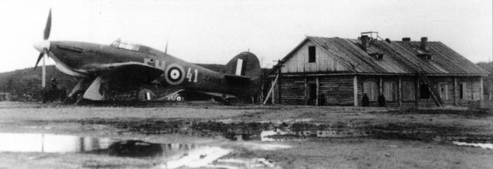 Hurricane IIb RAF 151 Wing 81Sqn FH41 Z4018 Vaenga airfield 02