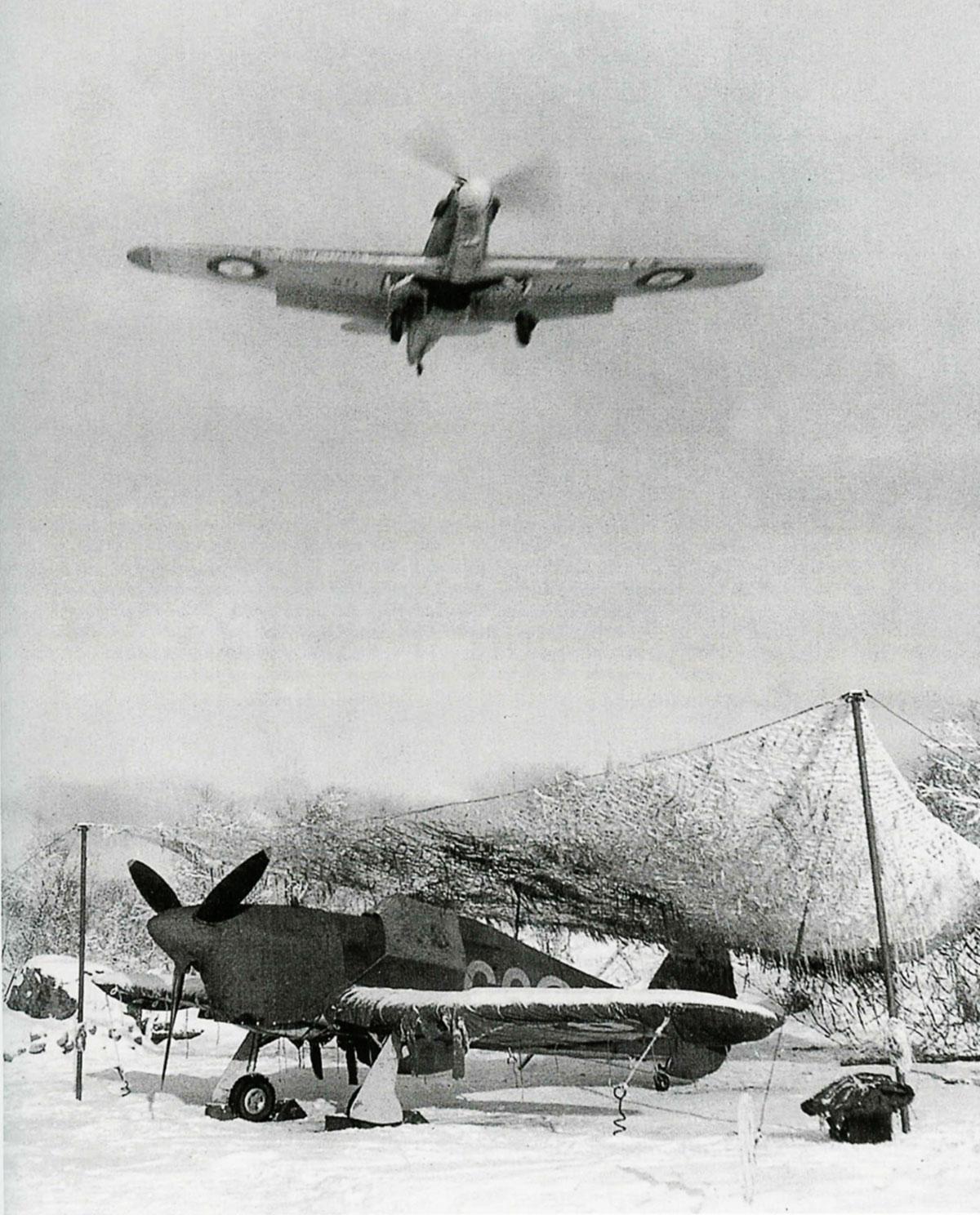 Hurricane IIb Trop RAF 151 Wing 134Sqn G037 Z5225 Vaenga Oct 1941 01