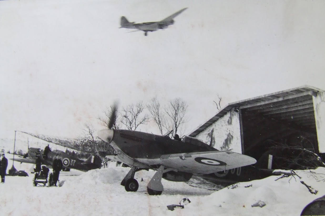 Hurricane IIb Trop RAF 151 Wing 134Sqn GO37 Z5225 Vaenga Oct 1941 03