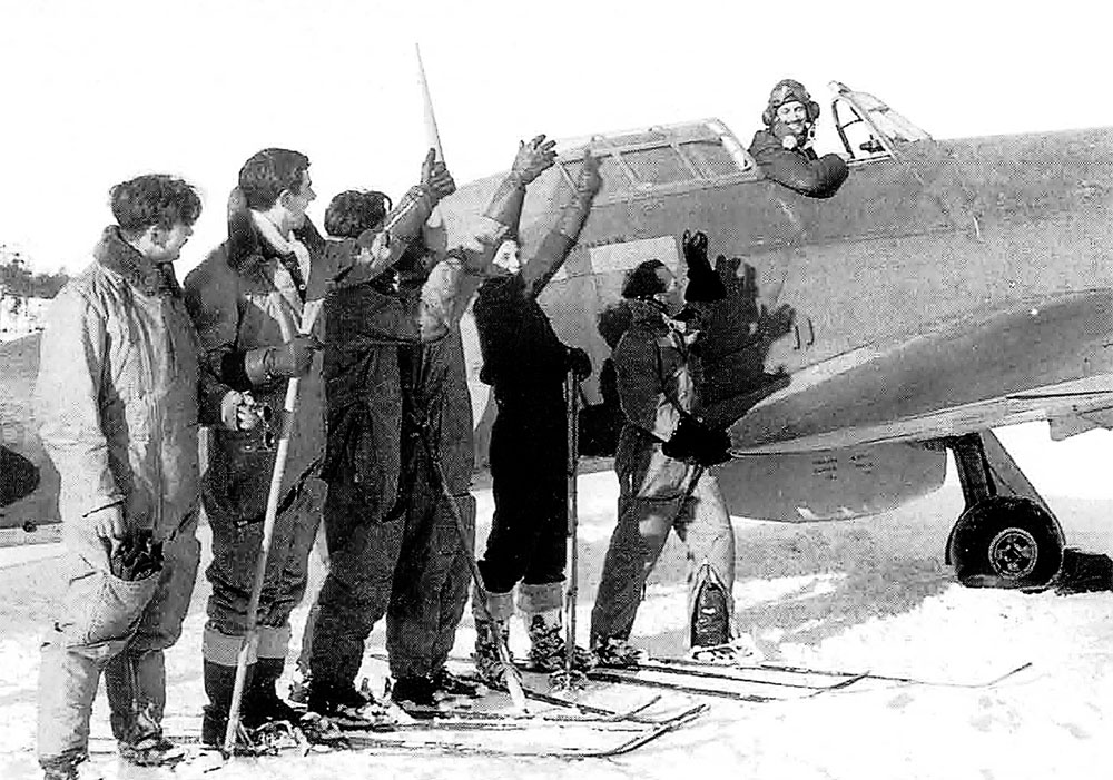 Hurricane IIb Trop RAF 151 Wing 81Sqn FZxx xxxxx Vaenga USSR Oct 1941 01
