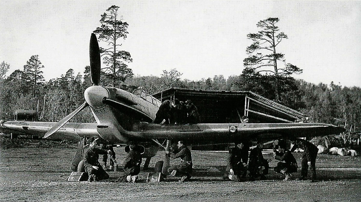 Hurricane IIb Trop RAF 151 Wing Vaenga USSR Oct 1941 01