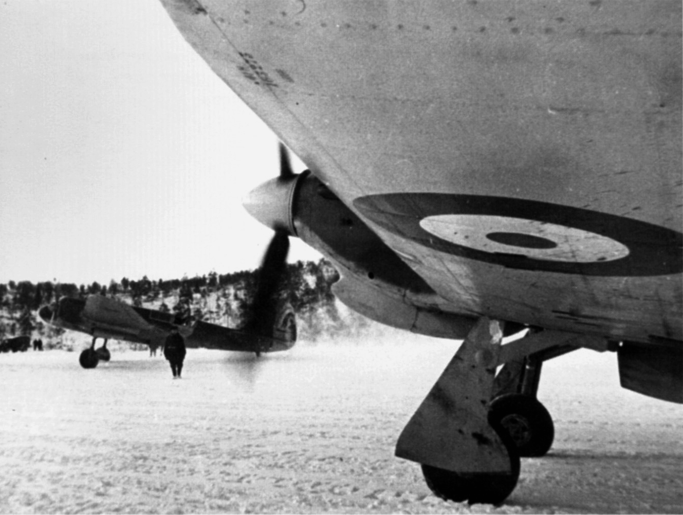 Hurricane IIb Trop RAF 151 Wing awaiting take off clearance Murmansk USSR winter 1941 01