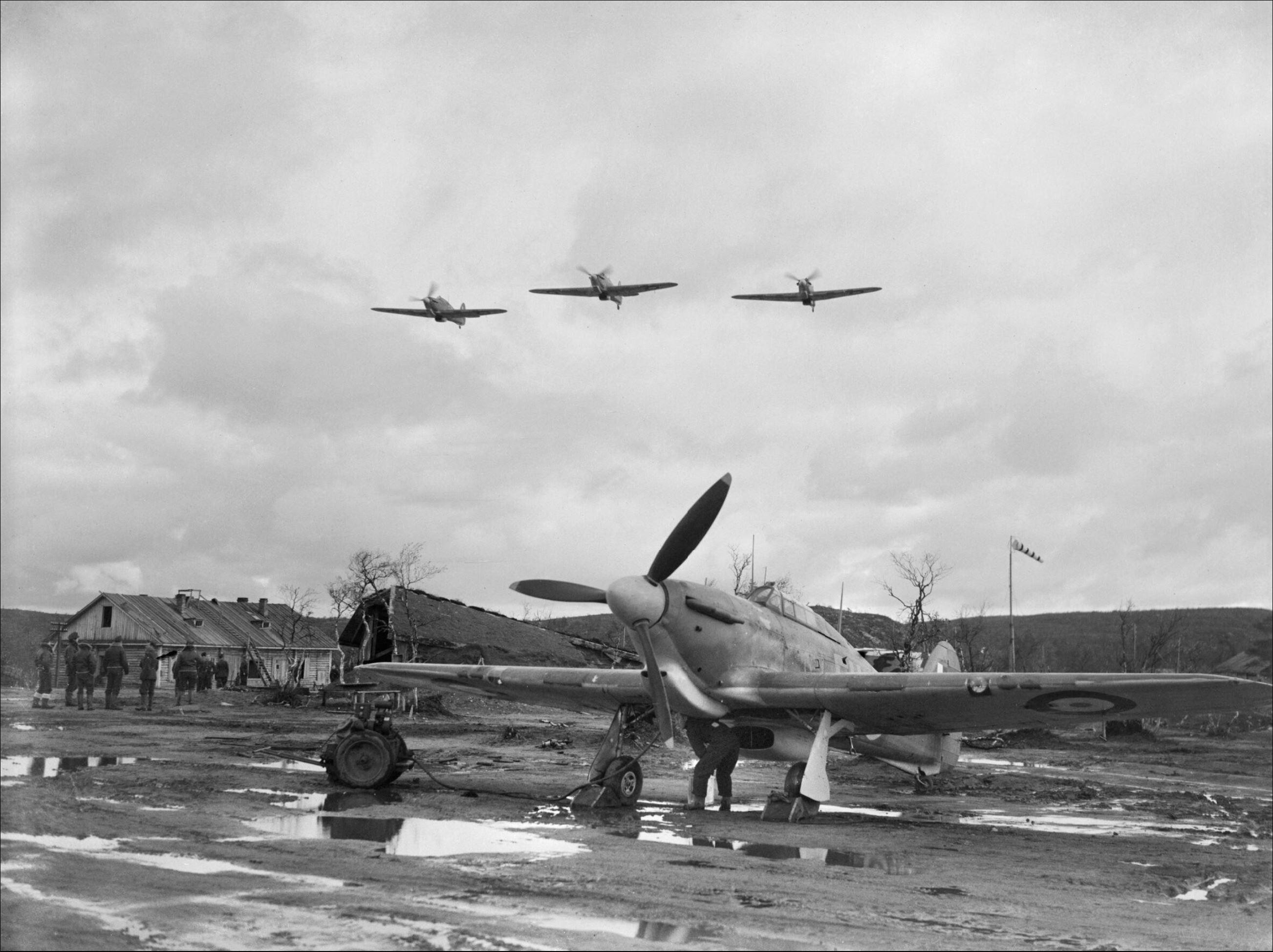 Hurricane IIb Trop RAF 151 Wing stands mission ready Murmansk USSR 1941 IWM CR38