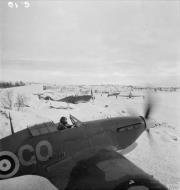 Asisbiz Hurricane IIb Trop RAF 151 Wing 134Sqn GO31 Z5236 Vaenga USSR Oct 1941 IWM CR54