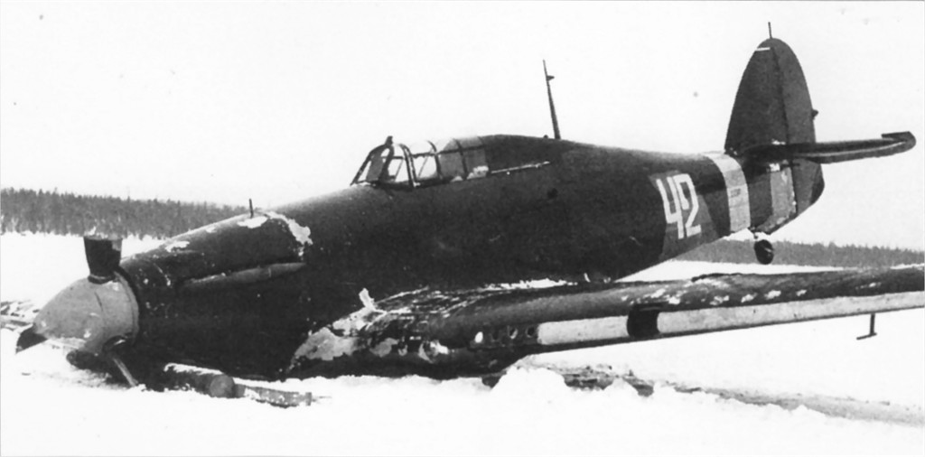 Hurricane II USSR 152IAP W42 Z2585 force landed Tuoppajarvi and captured by Finnish forces 18th Feb 1942 01