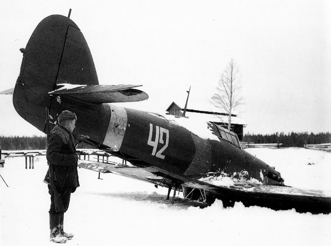 Hurricane II USSR 152IAP W42 Z2585 force landed  Tuoppajarvi and captured by Finnish forces 18th Feb 1942 04