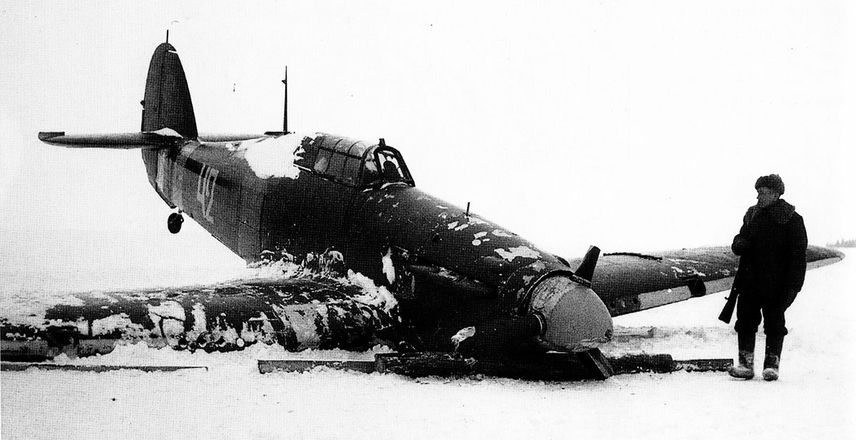 Hurricane II USSR 152IAP W42 Z2585 force landed  Tuoppajarvi and captured by Finnish forces 18th Feb 1942 05