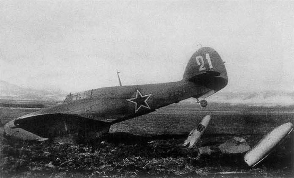 Hurricane IIb USSR 246IAP White 21 KX248 belly landed Russia 1944 01