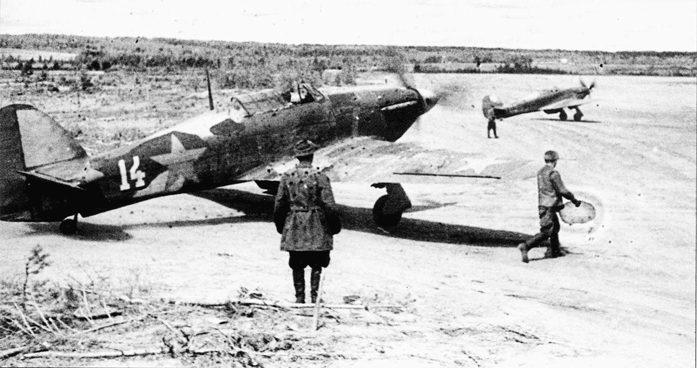 Hurricane IIb USSR Northern Fleet White 14 May June 1942 02