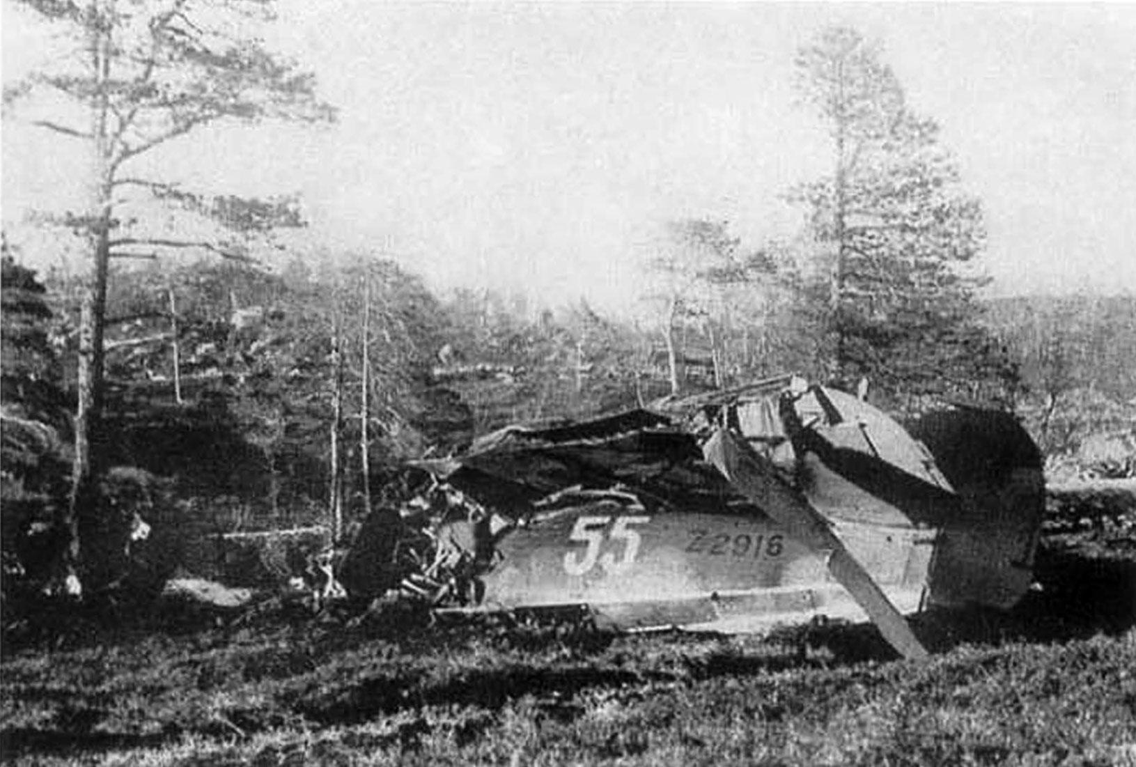 Hurricane IIb USSR White 55 RAF 331Sqn FNU Z2916 shot down Karelia 1942 01
