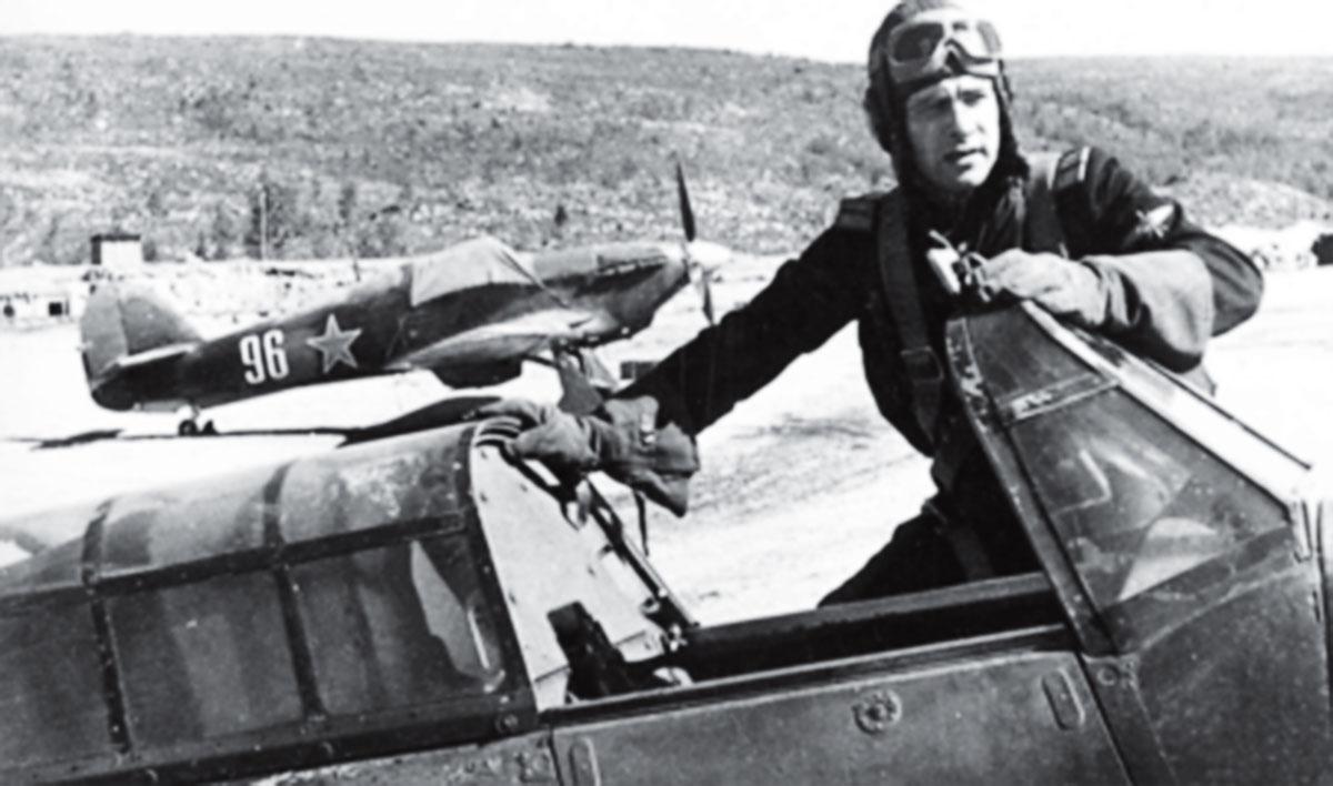 Hurricane USSR 78IAP Capt Vasiliy Adonkin and White 96 at Pummanki airfield 1943 01