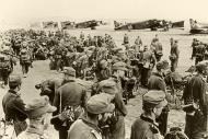 Asisbiz German mountain troops prepare to board their Junkers Ju 52s for Crete 20th May 1941 Bund