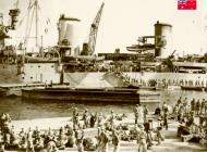 Asisbiz HMAS Sydney Troops and stores being embarked at Port Said prior to sailing to Crete 14 Nov 1940 IWM E1144