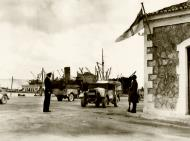 Asisbiz Reinforcing Crete scene on the quayside on the arrival of some of the British troops IWM E1175