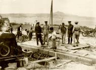 Asisbiz The GOC in C inspecting the building of defences being made by British troops IWM E1187