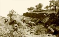 Asisbiz Unternehmen Merkur attacking Fallschirmjager Battle of Crete 1941 Bundesarchiv