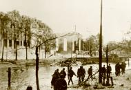 Asisbiz Fall Gelb German troops advance through a destroyed section of Rotterdam Holland May 1940 Bund 01