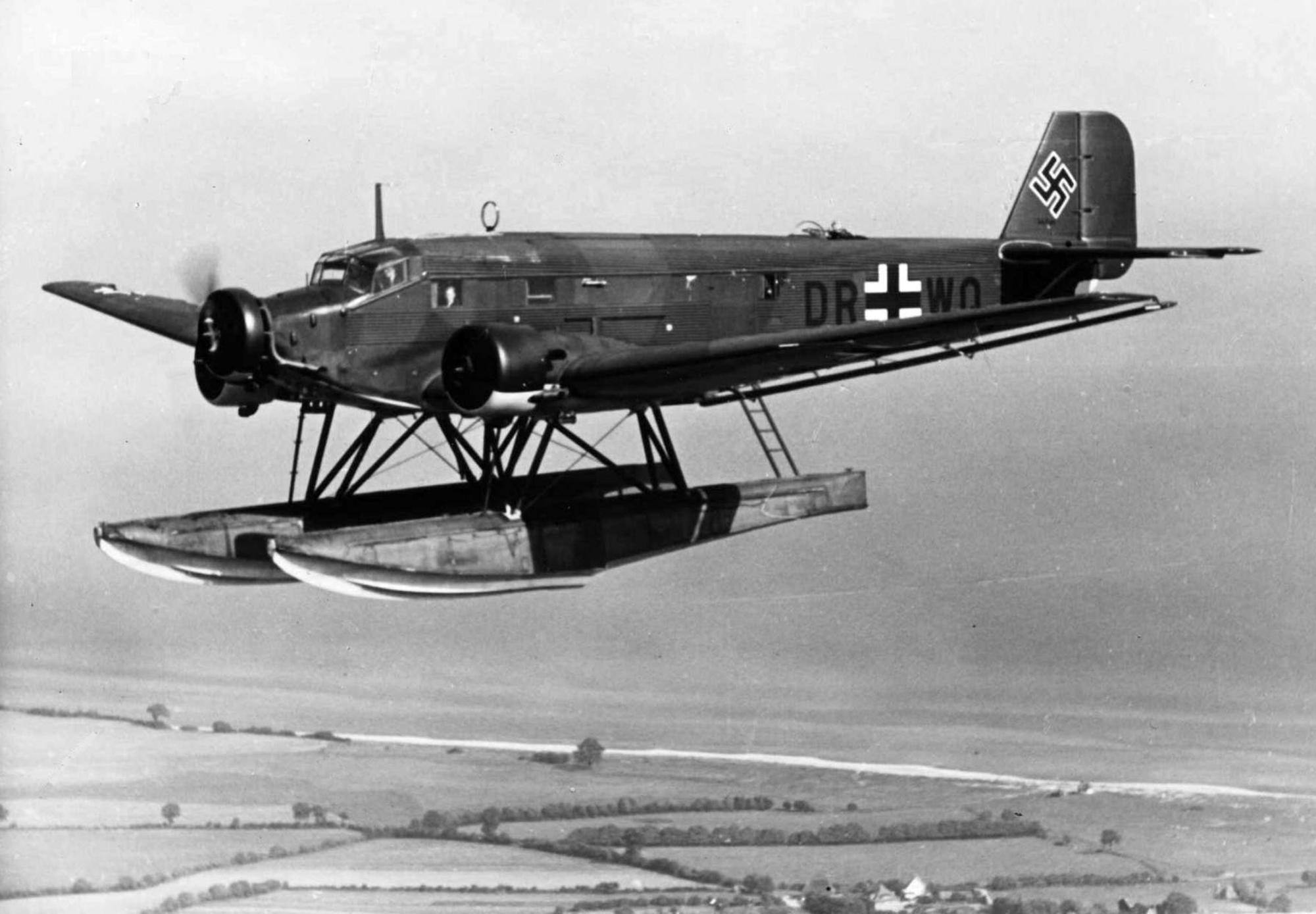 Junkers-Ju-52-3mg5eW-DR+WO-being-flight-