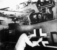 Asisbiz Junkers Ju 87 Stuka assembly line painting the Balkenkreutz Dessau plant 01