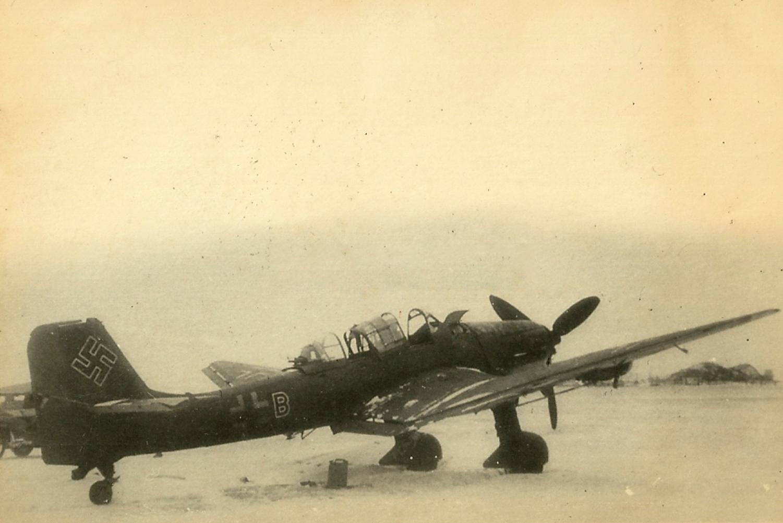 Asisbiz Junkers Ju 87D Stuka NSG1 (Nord) captured May 1945-01