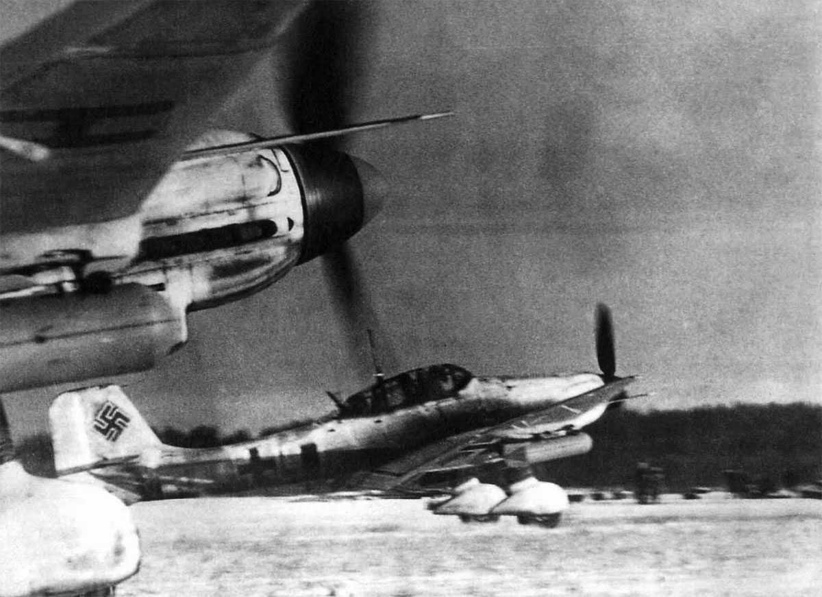 Junkers Ju.87D Stuka   Авиация, Штурмовики