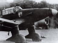 Asisbiz Junkers Ju 87B Stuka 10.(St)IV.LG1 (L1+FU) Tramecourt France July 1940 02