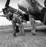 Asisbiz Captured Junkers Ju 88C NJG being inspected by USAAF pilots 1945 01