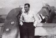 Asisbiz Aircrew Luftwaffe JG77 pilot Heinz Bar Crimea Russia May 1942 01