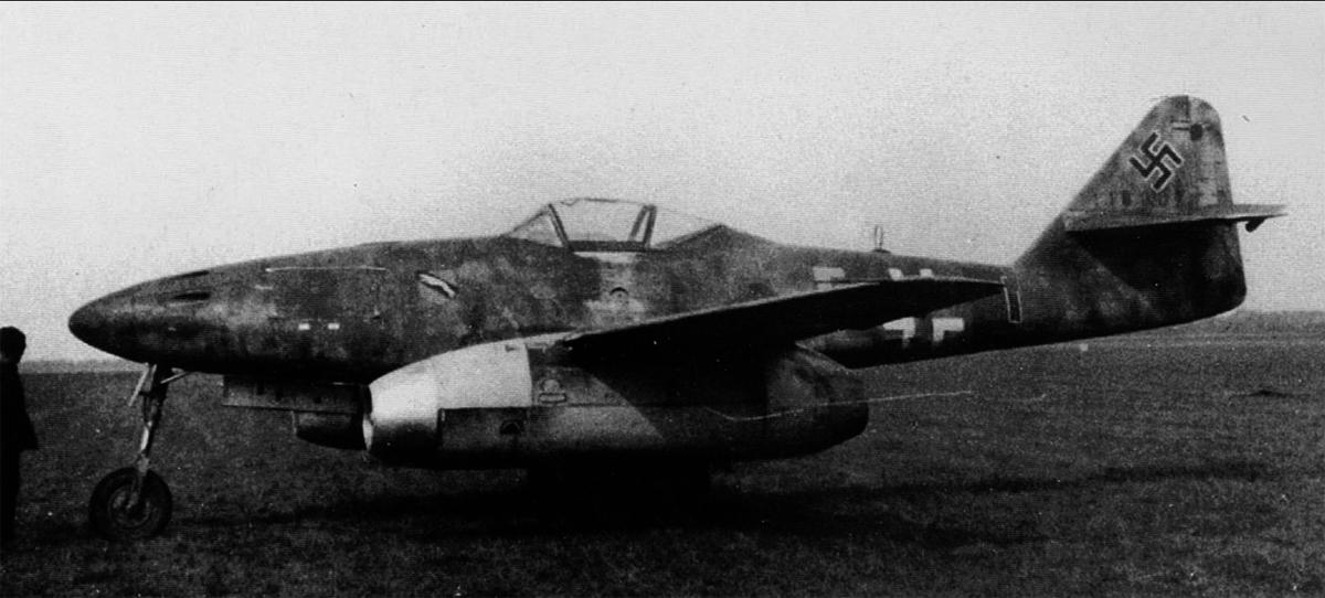 Messerschmitt Me 262A1a Schwalbe 9.JG7 (Y5+I) Uffz Schoppler WNr 110007 Fassberg May 8 1945 01