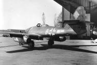 Asisbiz Messerschmitt Me 262A1a 3.JG7 Yellow 8 WNr 112365 Germany 1945 02