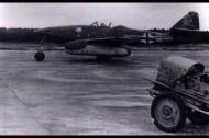 Asisbiz Messerschmitt Me 262A1a Stab II.JG7 Geschwaderkommodore Theo Weissenberger Green 4 Germany 1945 02
