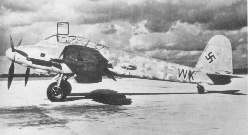 Messerschmitt Me 410A Hornisse 2.(F)122 (F6+WK) captured Italy 1944 04