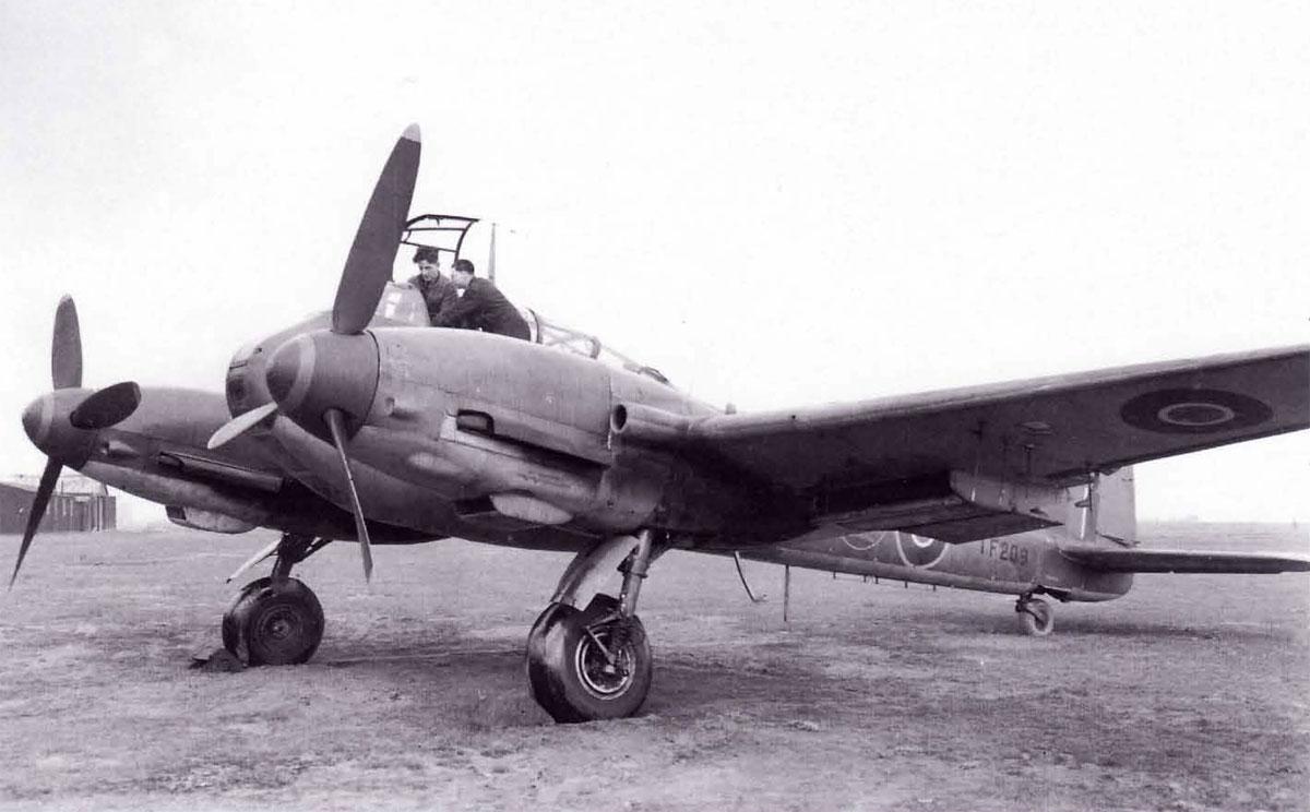 Messerschmitt Me 410A3 Hornisse 2.(F)122 TF209 RAF 1944 01