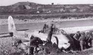 Asisbiz Messerschmitt Me 410A3 Hornisse 2.(F)122 (F6+QK) crash landing Italy 1943