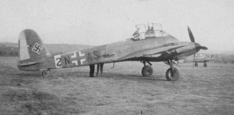 Messerschmitt Me 210C Hornet 8.KG1 (2N+AS) Tunisia 1942 01