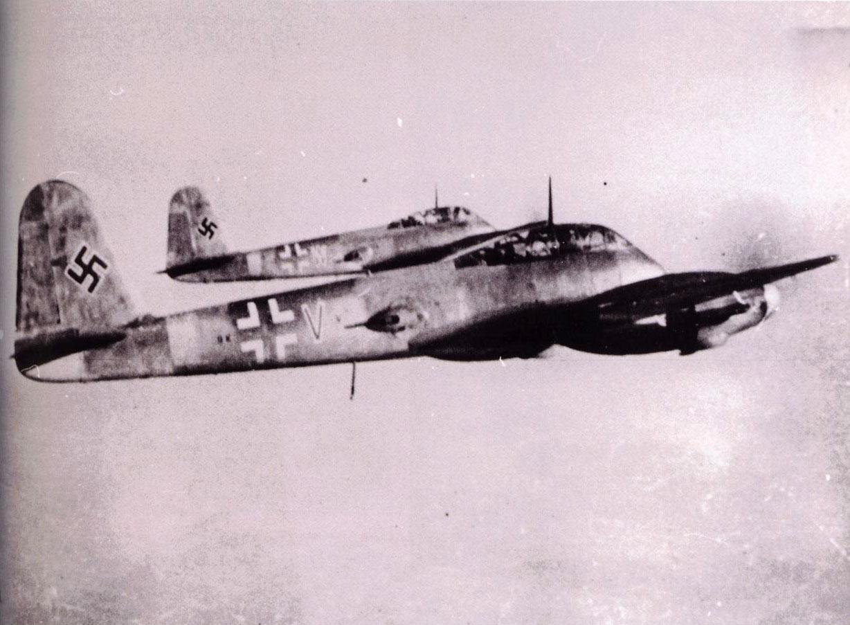 Messerschmitt Me 410B Hornisse 10.KG51 (9K+WW) Germany 1944 01