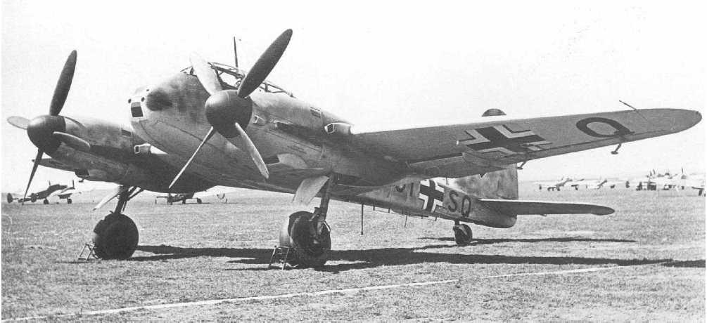 Messerschmitt Me 210V13 Hornisse Stkz GI+SQ WNr 210013 Rechlin 1941 02