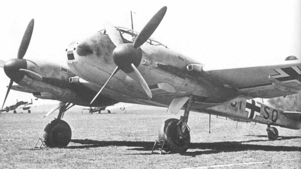 Messerschmitt Me 210V13 Hornisse Stkz GI+SQ WNr 210013 Rechlin 1941 04