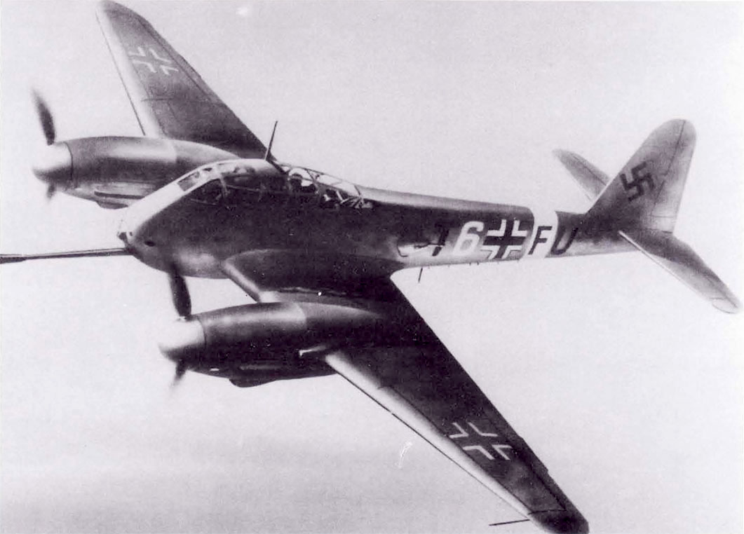Messerschmitt Me 410A1 Hornisse (T6+FU) in flight 1942 01